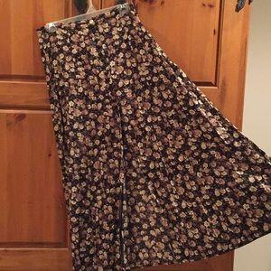 B. Moss floral skirt